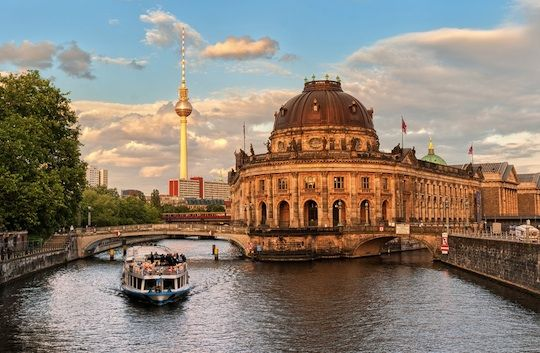Berlin in Autumn : Festivals & Events, Local Recommendations, Sightseeing, Things To Do, Top Attractions | Berlin Things to Do