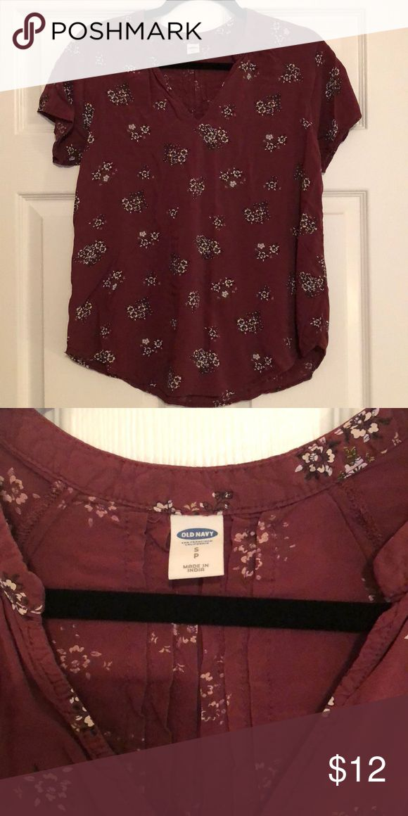 🎉5 for $20 shirts🎉 Old navy short sleeve top Burgundy floral top from old navy. Worn only once!!! Like new!! Tops