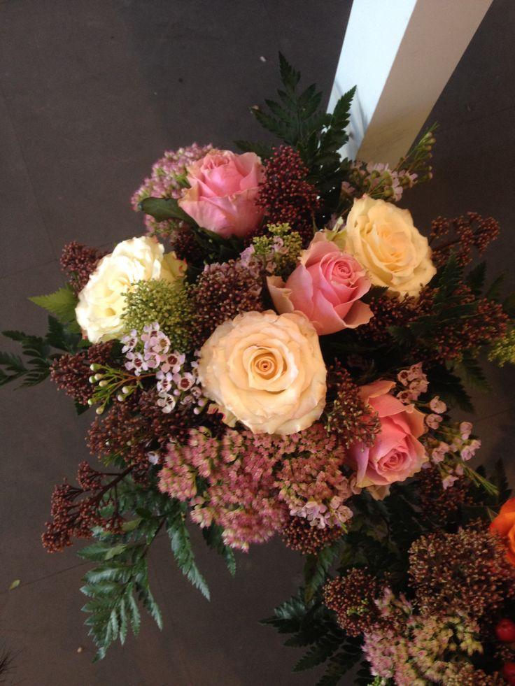 Min lyse buketter med rosa hvite roser.