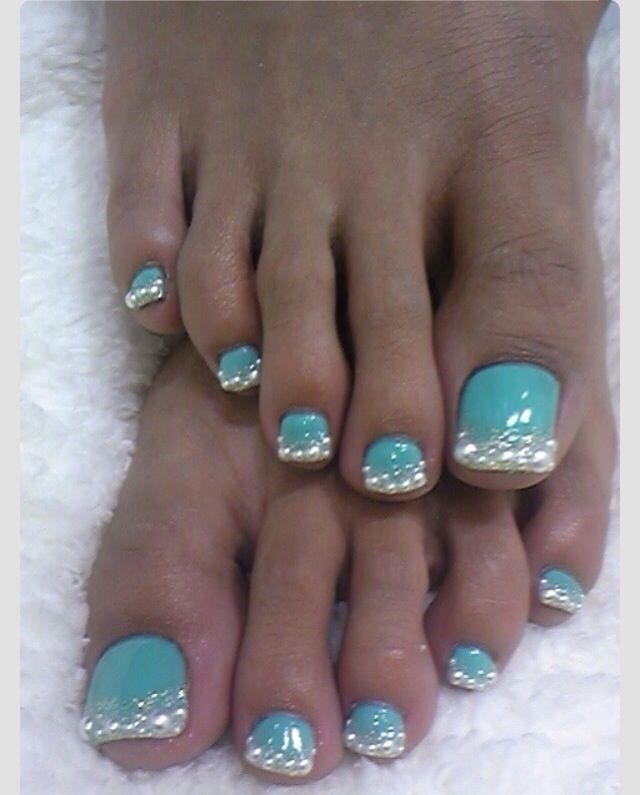 These toes just yell Tiffany & company! Gorgeous! Don't they remind you of the Tiffany box?