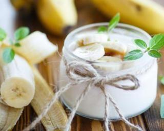 Mousse allégée aux bananes pour dessert léger du soir : http://www.fourchette-et-bikini.fr/recettes/recettes-minceur/mousse-allegee-aux-bananes-pour-dessert-leger-du-soir.html