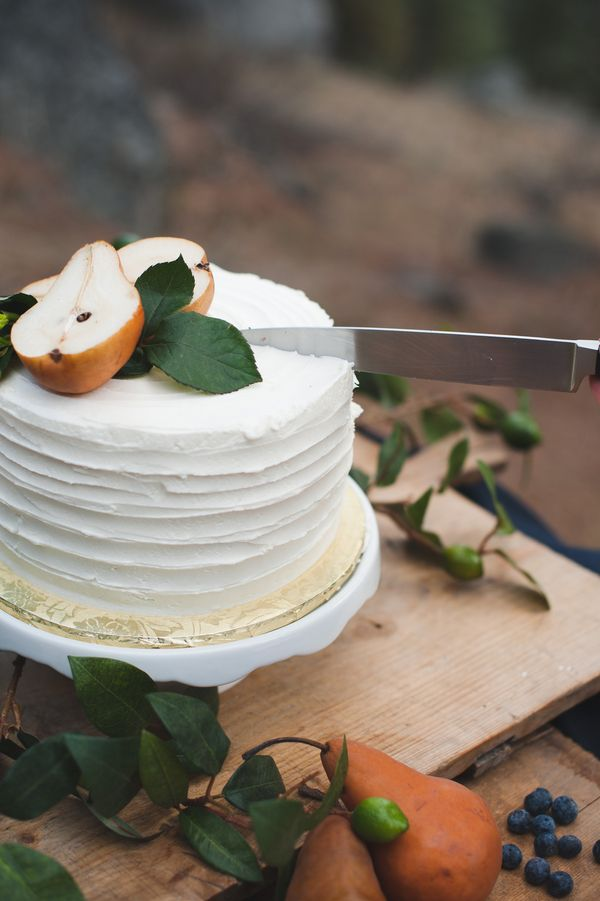pear orchard woodland cake