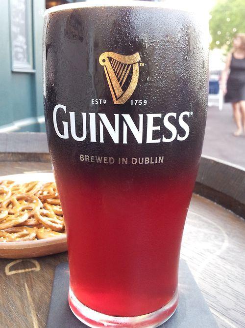 Entre bière et bijou, mon coeur balance… Une couleur rubis pour une moitié Kriek et son subtil gout de cerise associé à la force de la Guinness pour sa deuxième moitié… par sandy - Jeudi 13 décembre #beertime