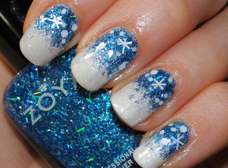 winter-idee-nageldesign-mit-glitzer-schneeflocken-blau-weiss-farben.jpg 750×553 Pixel