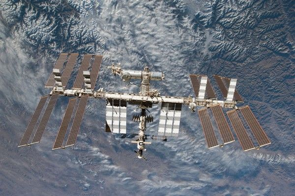 International Space Station Infected With USB Stick Malware Carried on Board by Russian Astronauts