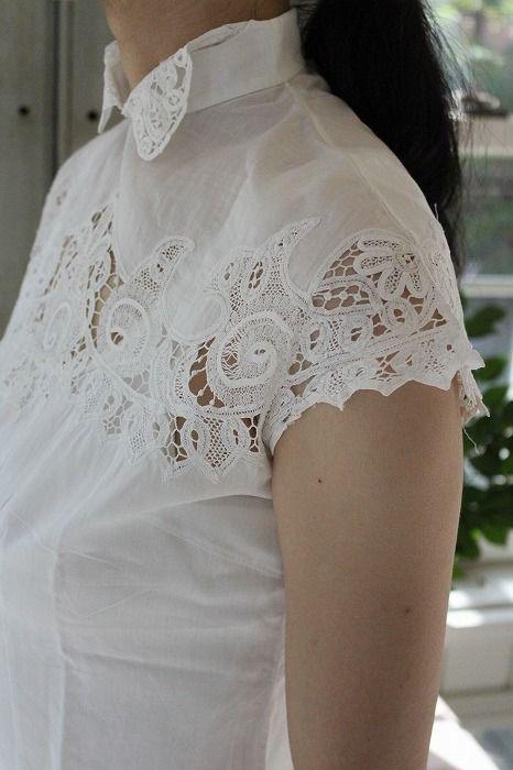 "Ancient and modern-Fuat Coconfouato ""lace blouse French vintage"" [Antique & miscellaneous goods] antique cross antique fabric antique textile fabric lace --cloth--"