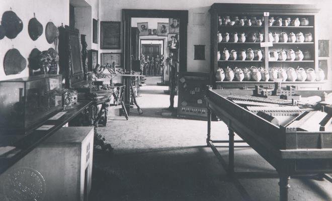 Museo lombrosiano nella sede del Palazzo degli Istituti anatomici a fine Ottocento - inizio Novecento