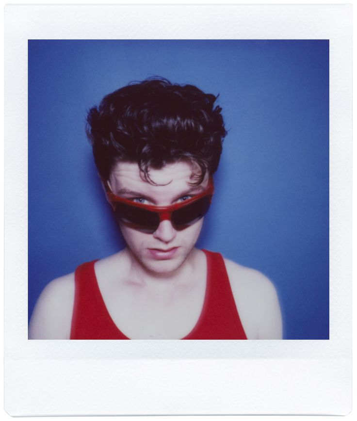 Give your creativity the edge! The Lomo'Instant Square is the first fully analogue camera to produce Instax Square pictures. Photo of Hector Moss taken by Rusell Darling.
