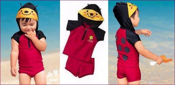 Super Cute: ชุดว่ายน้ำเด็ก ใส่ได้ทั้งน้องผู้หญิง และน้องผู้ชาย ลายเต่าทองสีแดง เสื้อมีฮู้ด+กางเกง