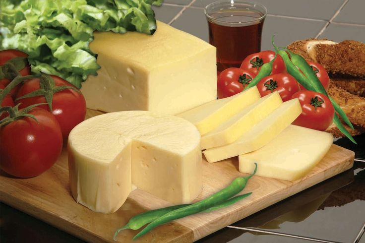 Balkan ülkelerinde de çok fazla tercih edilen kaşar peyniri nasıl üretilir?
