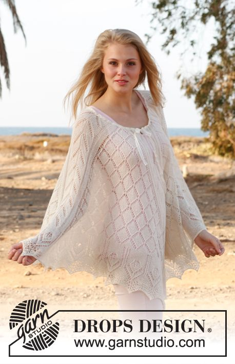 """Knitted DROPS poncho with lace pattern in """"BabyAlpaca Silk"""" or """"Lace"""". Size: S - XXXL. ~ DROPS Design"""