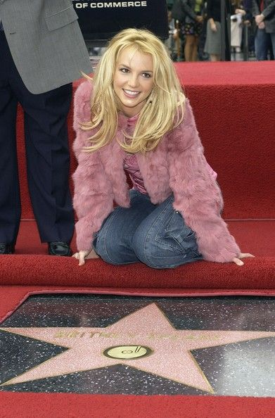 who has a star on the hollywood walk of fame | ... star on the Hollywood Walk of Fame on November 17, 2003 on Hollywood/ Britney spears