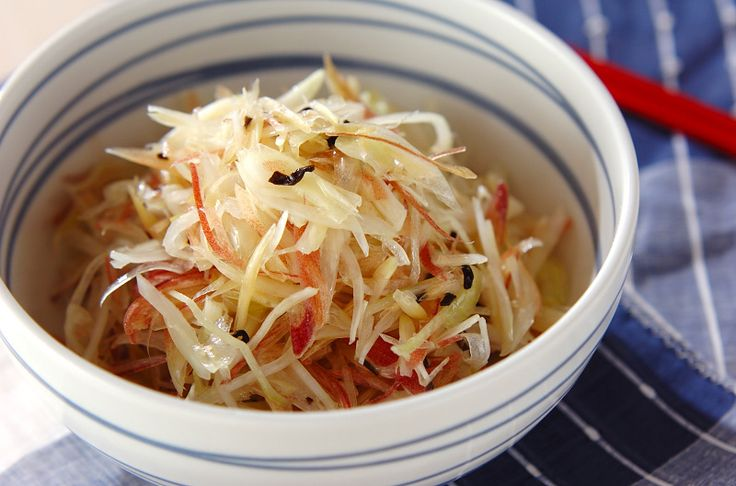塩昆布の旨味と塩気を利用した簡単ナムル。ミョウガの食感と香りを味わって下さい!ミョウガと玉ネギのナムル[中華/前菜]2012.07.25公開のレシピです。
