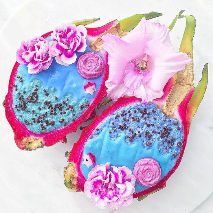 Let yourself be transported to the tropics  with these  Blue Coconut Chia Pudding Pitaya Boats  by  @scecco_food.for.thought . . . . . . #vegan #lifeofcha #plantbased #glutenfree #sugarfree #vegansofig #whatveganseat #veganfood #veganfoodshare #healthyfoodporn #healthyrecipes #cleaneats #dairyfree #nomnomnom #rawvegan #eatrealfood #eeeeeats #vegandessert #nutrition #eattherainbow #coconut #plantstrong #govegan #ahealthynut #feedfeedvegan #thrivemags #bestofvegan #heresmyfood