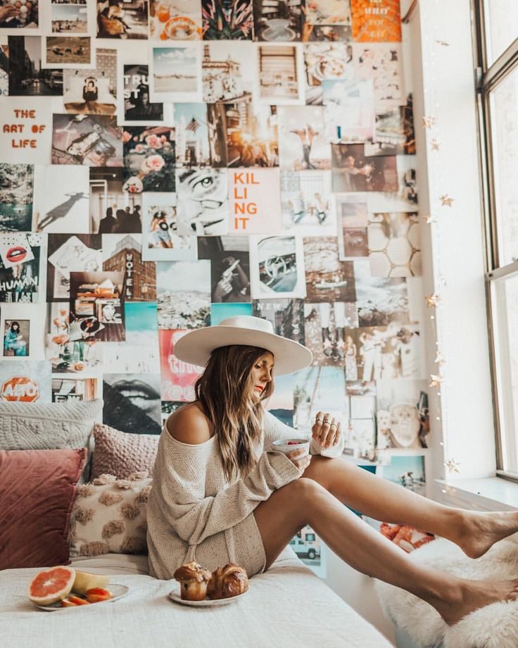 Photo collage wall. This is such an easy and creative bedroom decor idea. I love it!
