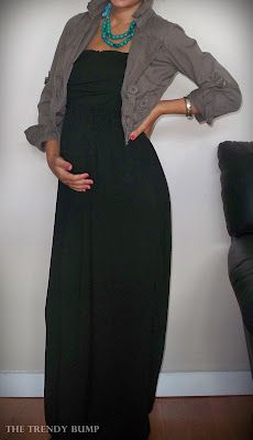 Loving the black maxi, super versatile dressed up or down and oh so comfortable when you're feeling frumpy and pregnant. Via the trendy bump