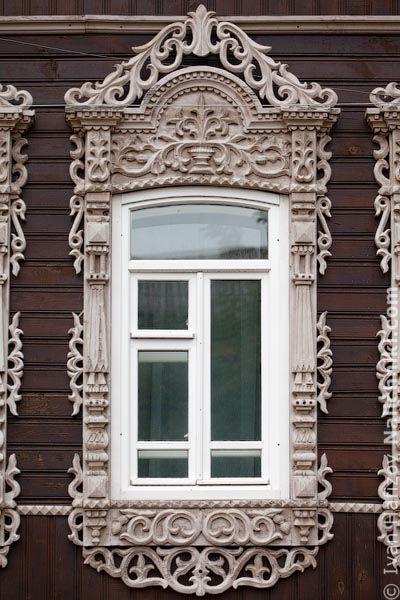 Томск, деревянный оконный наличник №10