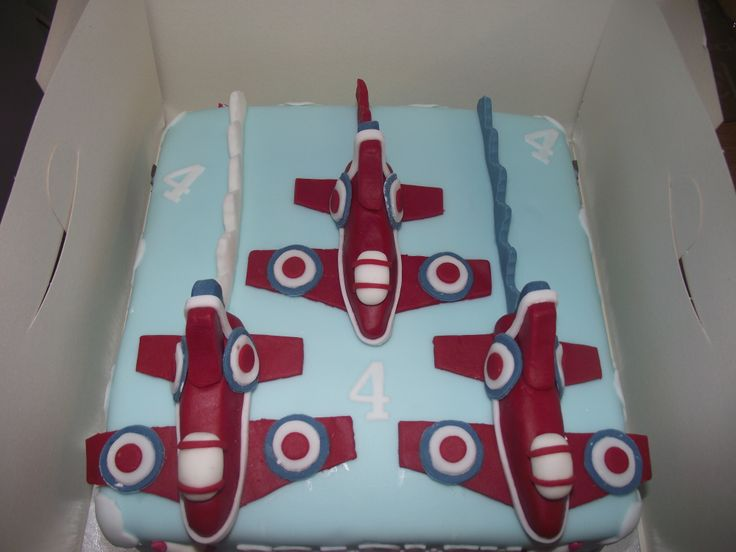 red arrows cake