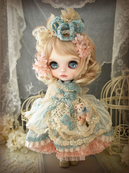 Custom Blythe - Blue Tiara by Milk Tea