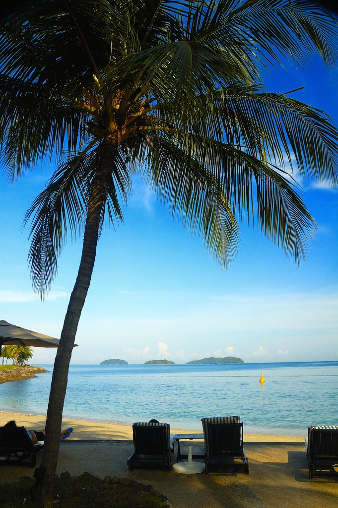 Kota Kinabalu, Malaysia: ahhhh take me there now please!!! http://malaysiatouristspots.com/top-10-beaches-in-malaysia/