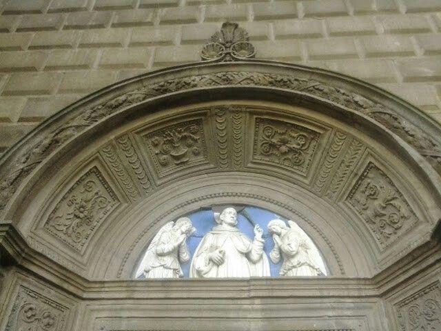 Portale sx. Lunetta di Andrea della Robbia