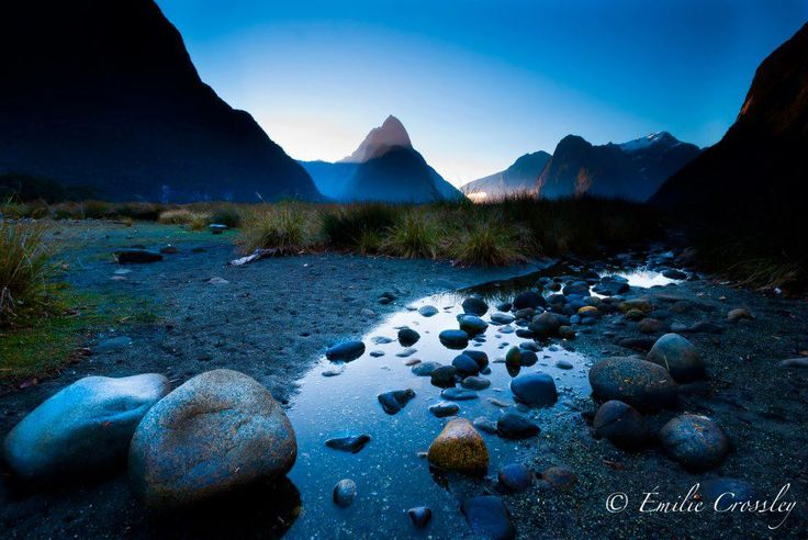 Milford Sound located in the Fiordland region of #NewZealand thanks to Émilie Crossley Photography.