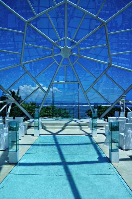 This chapel with the form of blue diamond would turn your wedding into a luxurious occasion. Photo by Raditya Margi