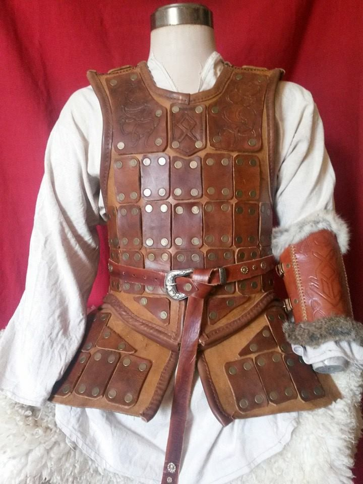 Finally almost finished! It just need a pair of pauldrons, but they are just some details... A Leather brigandine based on a slavic armor dated from X century It's made with a entire chest piece of...