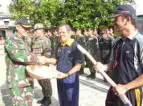 terbaru Warga Bersama Wakil Wali Kota dan Dandim Bersih-Bersih Situ Rawa Besar