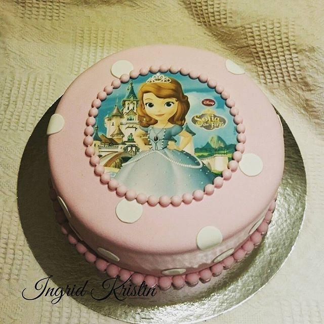 #ingridskakerbørsa #sjokoladekake #melkesjokoladesmørkrem #bursdagskake #prinsesse #prinsessesofia #sørtrøndelag #skaunkommune #børsa