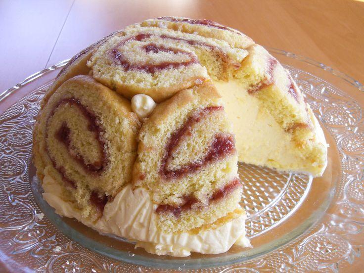 Denne kuppelformede fromasjkaken, Charlotte Russe, hører til verdens mest berømte kaker!