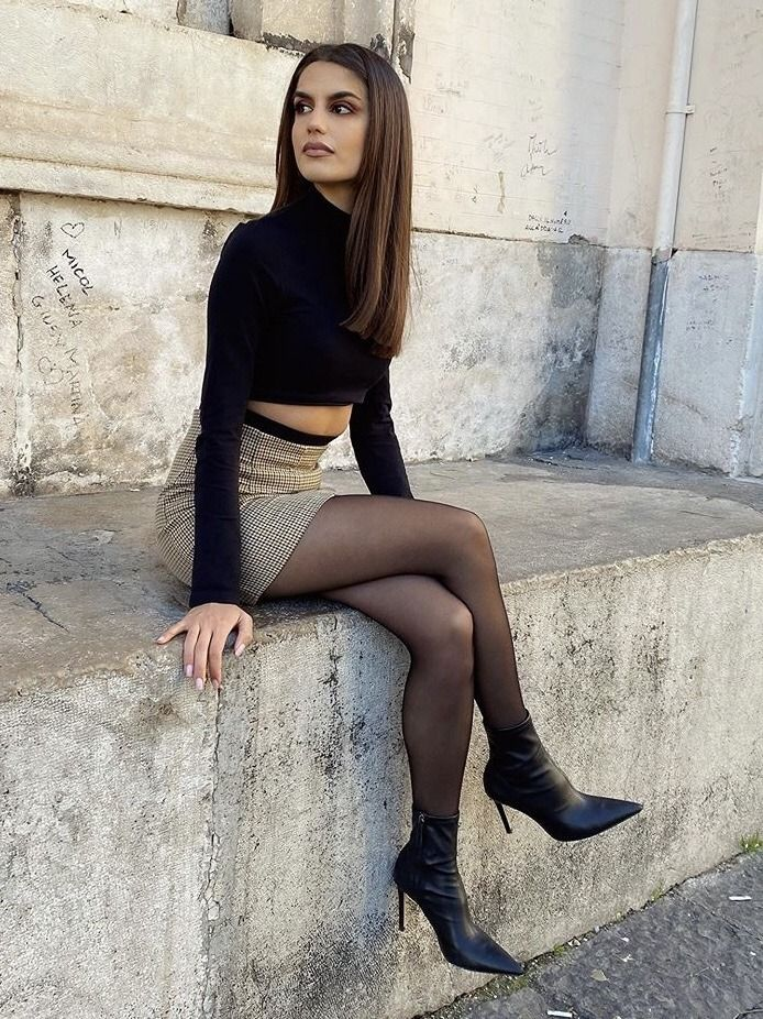 60s-style-mini-dress - The Fashion Tag Blog