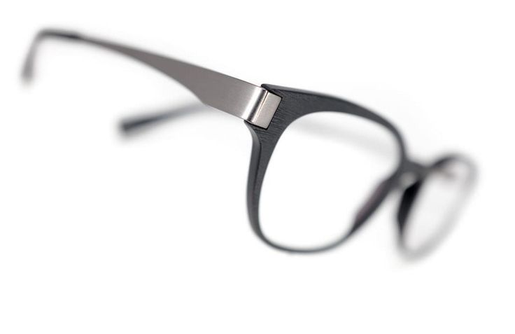 New acetate models • EB216-k005 • #eblock #neuebrille #opti2017 #madeinitaly #eyewear #occhiali #occhialivista #glasses #cadore Ph @nicolabrollo www.eblock.it