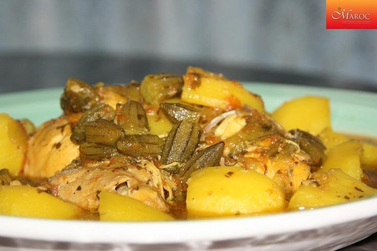 Tajine de poulet aux gombos et pommes de terre http://www.recettesmaroc.com/recettes/plats/recette-tajine-de-poulet-aux-gombos-et-pommes-de-terre
