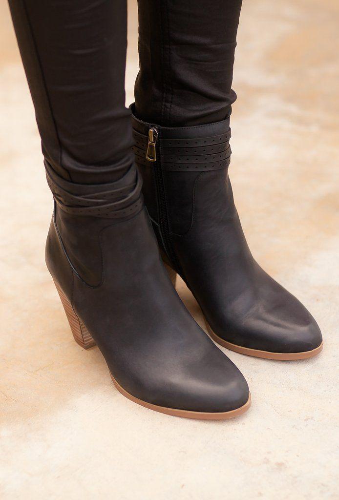 Halle Leather Boot - Black