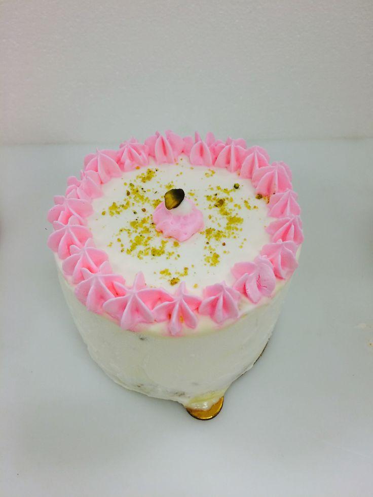 how to make pistachio ice cream cake