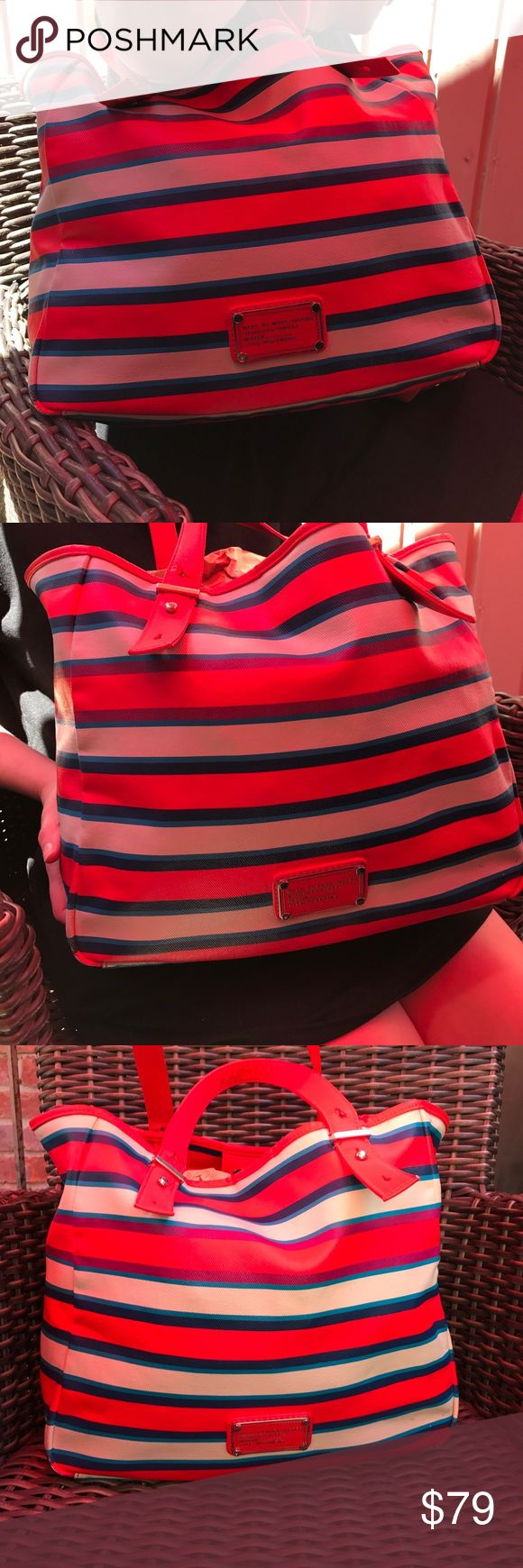 ‼️FLASH SALE 1 HOUR‼️Marc Jacobs Multicolor Tote Fun, colorful summer Marc Jacobs Canvas Tote bag with adjustable straps and logo on front. Very spacious with inside side pocket. Great for the beach or around town! Will dress up any outfit!! Marc Jacobs Bags Totes