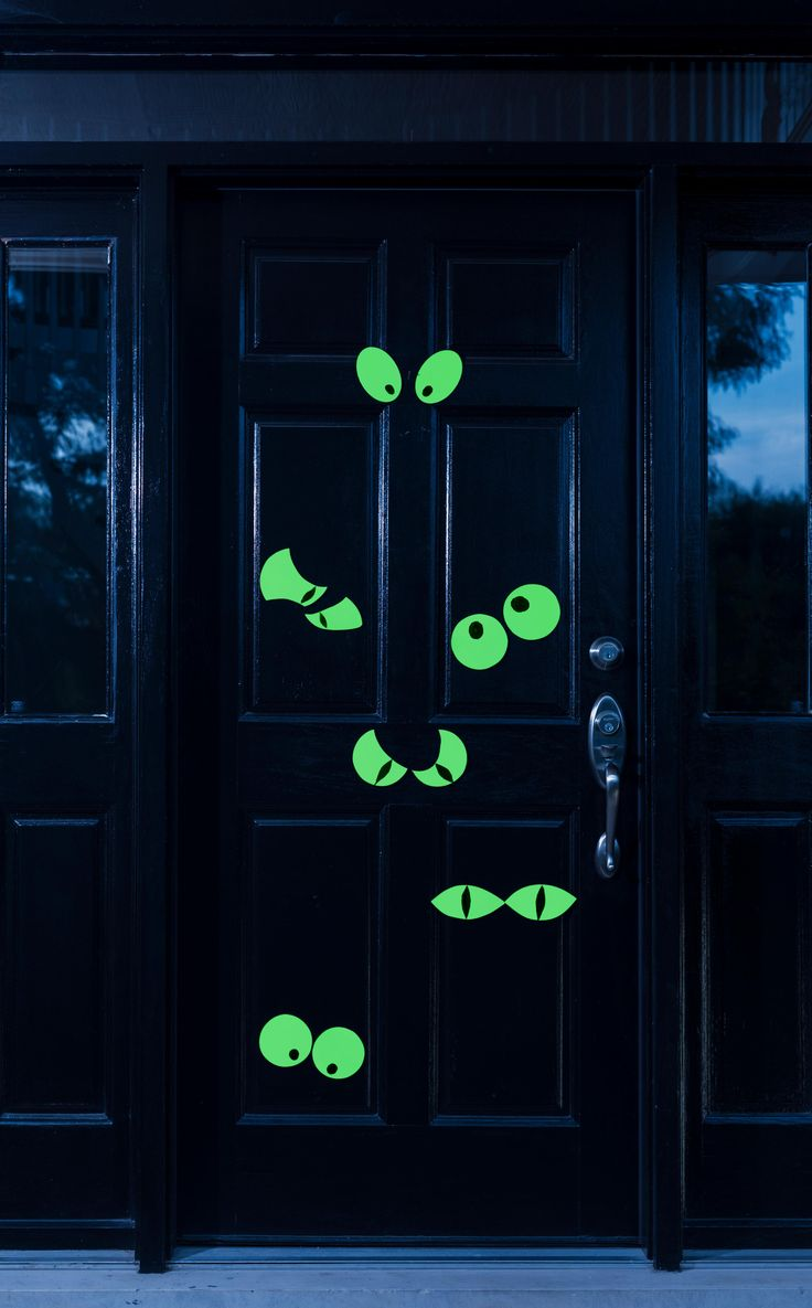 The only thing scarier than what you can't see in the dark on Halloween is what you can! Give trick or treaters a real spook with shifty eyes that glow in the dark. You can make this Glow-In-The-Dark Spooky Eyed door decor in a few simple steps, just in time for Halloween.