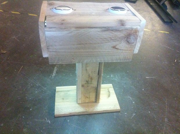 Picture of Solar Powered Outdoor Table Lamp Made From Pallets