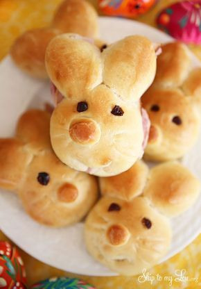How to make Easter bunny rolls! My family loves these every year for Easter dinner and leftover sandwiches #recipe #easter skiptomylou.org