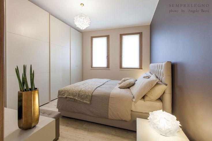 Furniture Design Made in Italy Fitted Wardrobe. Custom Bedroom. Interior Ideas. Armadio scorrevole su misura realizzato da Semprelegno. Camera matrimoniale. Stanza da letto. Mobili design.