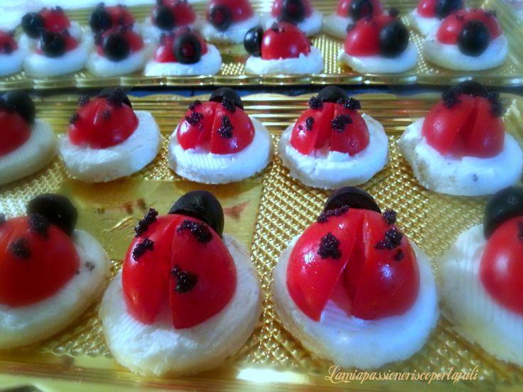 Pomodori di antipasti coccinella,un idea per fare degli antipasti è preparare qualcosa di diverso per i vostri ospiti,pomodori a coccinella,con Philadelphia