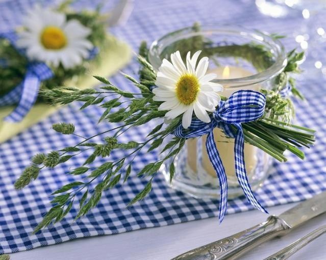 Rustykalne świeczniki. Polne kwiaty