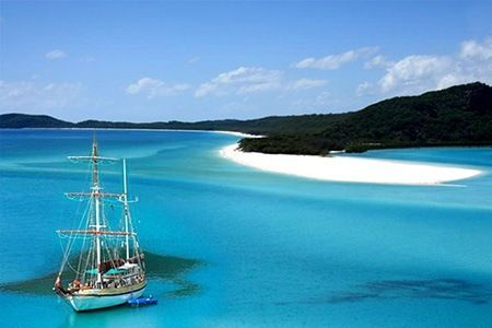 Whitsunday  Islands Tallship Cruising   in Tropical Queensland Australia Great Barrier Reef