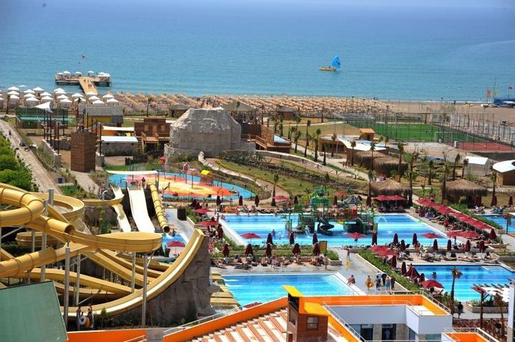 Aska Lara Resort & Spa  Tesisin geniş aktivite alanlarında, hem minik misafirleri hem de yetişkinleri maceradan maceraya koşacakları spor ve eğlence alternatifleri bekliyor. http://bit.ly/1k01h0w #etstur #KeskeTatilOlsa #tatil #holiday #travel #lara #antalya #turkiye