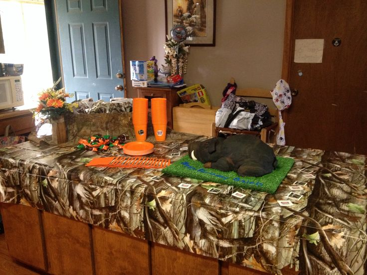 Hog Hunting Birthday Party, hog cake, camo & hunters ...