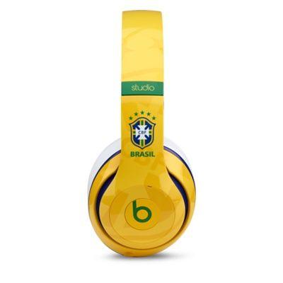 Fone de ouvido Studio Beats by Dr. Dre - Apple Store (Brasil) #brazil #worldcup2014 #gobrazil