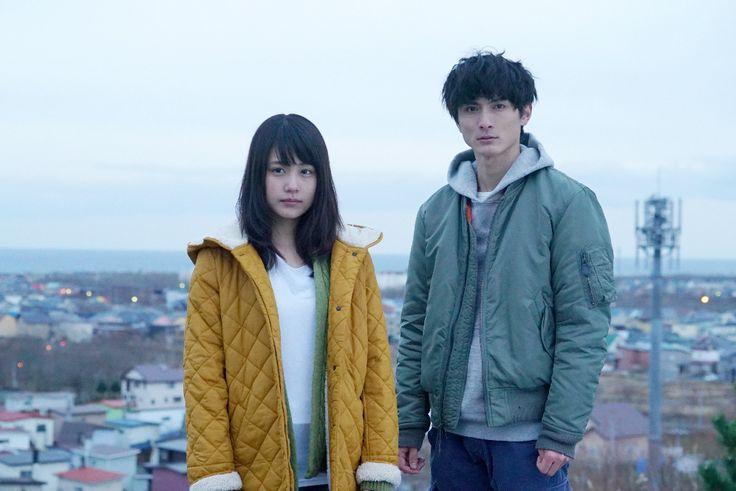 2016年1月から放送の月9ドラマ「いつかこの恋を思い出してきっと泣いてしまう」にダブル主演する有村架純さん(左)と高良健吾さん
