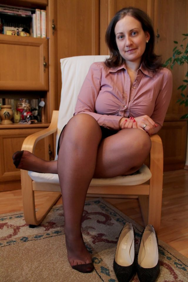 foot pantyhose mopvies Mature
