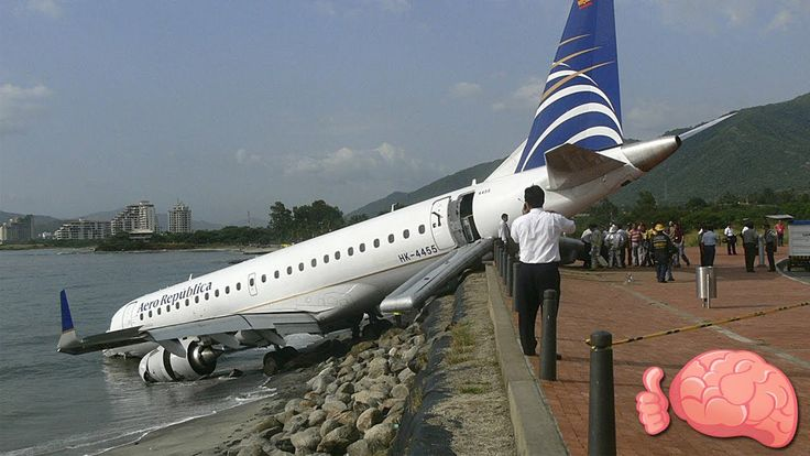 10 Aterrizajes De Emergencia Más Increíbles Del Mundo - VER VÍDEO -> http://quehubocolombia.com/10-aterrizajes-de-emergencia-mas-increibles-del-mundo    En este video te voy a enseñar los aterrizajes de emergencia más fantásticos y locos, esos que se hicieron para tratar de evitar mayores incidentes y que muchas veces nadie tiene en cuenta… ¡Ya sabes que tu LIKE y SUSCRIPCIÓN, me ayudan mucho! :'D Canción: Rock Angel by Joakim Karud...